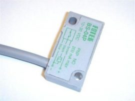 Senzor inductiv de proximitate BS-04P