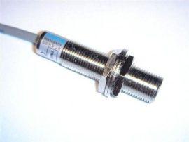 Senzor inductiv de proximitate Fotek PM12-02P-S