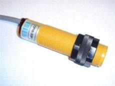Senzor capacitiv Fotek CP18-30P